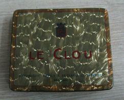 AC - LE CLOU YENIZDE CIGARETTE - TOBACCO EMPTY VINTAGE TIN BOX - Boites à Tabac Vides