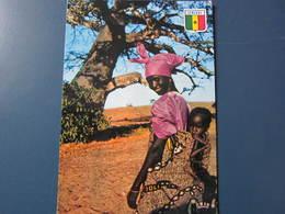 Carte Postale Sénégal Jeune Maman Sur La Route De Joal - Senegal
