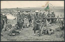 Camp De Mailly - La Garde Du Drapeau Pendant La Grand-halte - ND Phot. - Voir 2 Scans - Manöver