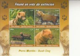 2007  Peru Bush Dogs Miniature Sheet Of 4 MNH - Perù