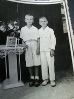 BOYS IN WHITE, GARÇONS  EN BLANC - Persone Anonimi