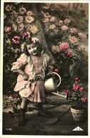 Enfant 382 - Fillette Arrosoir - Scene & Paesaggi