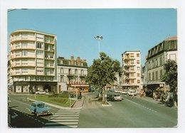 - CPSM CHAMALIERES (63) - Le Square Et L'avenue De Royat - Editions La Cigogne - - Autres Communes