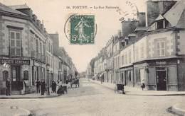 PONTIVY  - La Rue Nationale  Animée (edts M.S ) - Pontivy