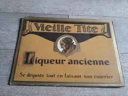 Carton Publicitaire Vieille Tite Liqueur Ancienne Se Déguste Tout En Faisant Son Courrier  Bistrot - Plaques En Carton