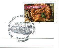 """2003 - FÊTE DES BATTAGES ET DES METIERS D'ANTAN - THAON (Calvados) - Carte Postale """"Batteuse à Plan Incliné"""" - Cachets Commémoratifs"""