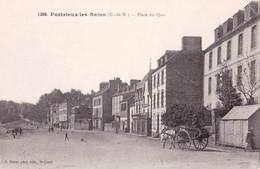 CPA   Portrieux Les Bains (22)    Place Du Quai   Attelage     Ed Barat 1296 - Pontrieux
