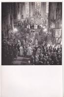 PHOTO 18 X 12  BADEN BADEN EGLISE OBSEQUES GENERAL SEVEZ EN 1948 GENERAL DE CORPS D'ARMEE  AU VERSO CACHET SERVICE ARMEE - Guerre, Militaire