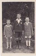Carte Photo : Enfants : Trois Garçons En Pose - En Pied - ( Beaux Vétement ) - Fotografie