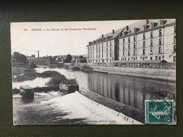 SEDAN-La Meuse  Et Les Casernes Macdonald - Sedan