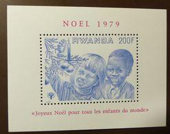 Rwanda Mi Block  87 Noel  Année De L'enfant 1979 JAHR DES KINDES YEAR OF THE CHILD ** MNH #5141 - Ruanda