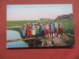 Fishermans Children Eiland Marken Holland Ref 3795 - Europe