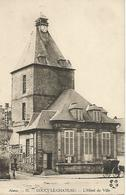 Vintage CPA  Aisne -71.-Coucy-le-Chateau.-L'Hotel De Ville - Autres Communes