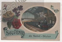 52 HAUTE MARNE - CP COLORISEE ANIMEE + FLEURS SOUVENIR DE SAINT DIZIER - LOCOMOTIVE A VAPEUR ENTRANT DANS LA GARE - ELD - Saint Dizier