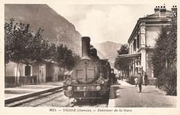 73 Ugine Interieur De Gare Locomotive à Vapeur Train Chemin De Fer - Ugine