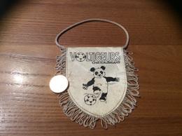 Fanion «CLUB DES SUPPORTEURS DES VOLTIGEURS - CHATEAUBRIANT (44)» (football, Panda) - Habillement, Souvenirs & Autres