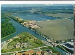 CP 02 Aisne - BOURG Et COMIN, Vue Aérienne, Le Plan D'eau, N° 3.99.79.2155 (cachet Poste) - Other Municipalities