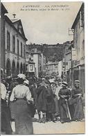 PONTGIBAUD - Rue De La Mairie, Un Jour De Marché - France