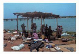 1 AK Mali * Frauen Am Fluß Bei Bamako Bei Der Verarbeitung Von Hirse - Préparation Fonio * IRIS Karte M - 12 * - Mali