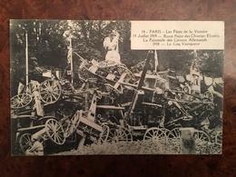 B252 – WW1. FETES DE LA VICTOIRE A PARIS 14 JUILLET 1919, ROND POINT DES CHAMPS ELYSEES, LA PYRAMIDE DE CANONS ALLEMANDS - Guerra 1914-18