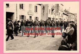 LIBERATION De PONTARLIER Défilé Des Prisonniers Allemands - Rue De Besançon (5 Septembre 1944) - War, Military
