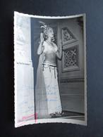 PHOTO DEDICACéE (M1802) OPERA LA MONNAIE BRUXELLES (2 Vues) GIULIA BARDI Dans LAKMé Année 1952 PHOTO VERMEULEN - Signiert