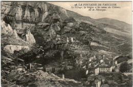 51gp 510 CPA - LA FONTAINE DE VAUCLUSE - LE VILLAGE - Autres Communes