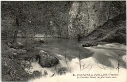 51gp 524 CPA - FONTAINE DE VAUCLUSE - LA FONTAINE HAUTE - Frankrijk