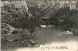 51gp 1726 CPA - LA FONTAINE DE VAUCLUSE - LE LAC DES CASCADES - Autres Communes