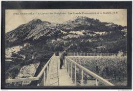 38374 .  GRENOBLE .  LE JARDIN DES DAUPHINS . LES GRANDS PROMENOIRS ET LA BASTILLE . E.R. - Grenoble