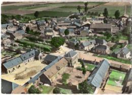 CP 02 Aisne - LEVERGIES, Vue Générale Aérienne Et La Place, Cp N° C 3 - Other Municipalities
