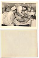 1960s Original 12x9cm Vintage Old Photo Hospital Doctor Nurse Woman Man Investigation Russia USSR (2794 - Beauté Féminine (1941-1960)