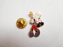 Beau Pin's En EGF , Disney , Mickey , Tennis - Disney