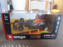 CM00 Burago, Formile 1 RB13, RedBull, 1-43 - Burago