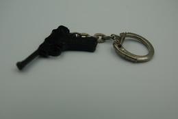 Vintage TOY GUN :  SCHICK LUGER P08 - L=4,5cm - Keychain 1960s - Keywords : Cap - Cork Gun - Rifle - Revolver - Pistol - Decotatieve Wapens