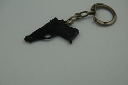 Vintage TOY GUN :  SCHICK BERETTA 70 - L=4,5cm - Keychain 1960s - Keywords: Cap -Cork -Rifle - Revolver - Pistol - Armes Neutralisées