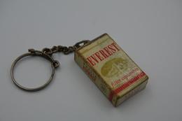 Vintage KEYCHAIN : CIGARETTES EVEREST - RaRe - 1960's - Porte-cles - Porte-clefs