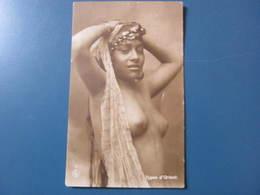 Carte Postale Jeune Femme Types D'Orient - Postcards
