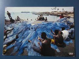 Carte Postale Afrique Pêcheurs Aux Filets - Cartes Postales