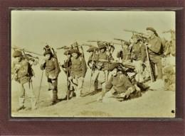SUISSE - ARMEE SUISSE - CARTE PHOTO - GOTTHARD - MILITAIRES EN POSE - 1900 - Suisse