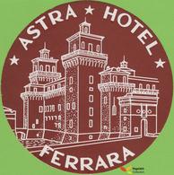 Voyo  HOTEL ASTRA Ferrara Italy Hotel Label 1970s Vintage - Etiquettes D'hotels