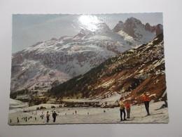 Le Village Du TOUR Remonte Pente De Vormaine Et Les Aiguilles Rouges - Chamonix-Mont-Blanc