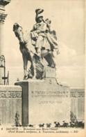 49 - SAUMUR - MONUMENT AUX MORTS - Saumur