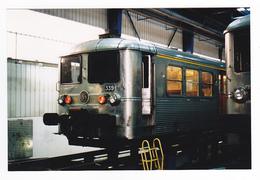 PHOTO Originale Train Wagon Engin De Traction Loco Rame Banlieue INOX Gris SNCF N°339 Côté 1ère Classe En Atelier - Treinen