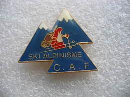 Pin's Ski Alpiniste De La CAF - Wintersport
