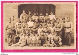 CARTE PHOTO (Réf : Z391) MILITARIAT PHOTO DE GROUPE HONNEUR AUX ANCIENS DE LA21/1 140 AU JUS - Personnages