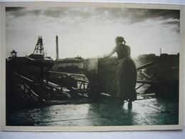 Hiercheuse De Surface Poussant Un Wagonnet / édition LE SOIR - Mines