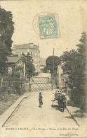 92  BOURG LA REINE - LE PASSAGE A NIVEAU ET LA RUE DE BLAGIS (ref 7315) - Bourg La Reine