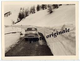 Photo Originale - Autos Voitures Automobiles Cars - SIMCA 9 Aronde Dans La Neige - Automobiles