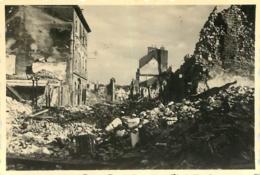 EVREUX PHOTO ORIGINALE GUERRE RUINES FORMAT 8.50 X 5.50 CM - Guerra, Militari